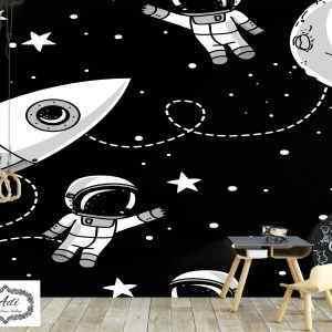 עפים בחלל