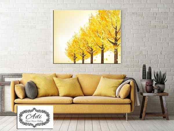 תמונה של עצים צהובים