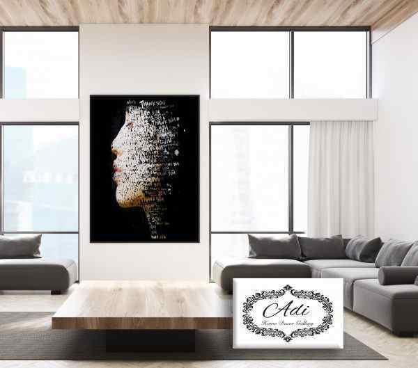 תמונה של אישה שחור לבן בנויה ממילים