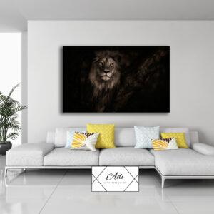 אריה שחור ודרמטי