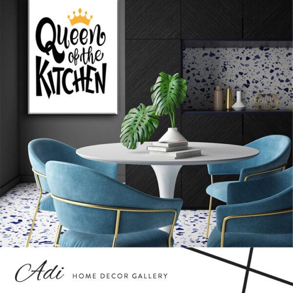 תמונה למטבח של כיתוב מלכת המטבח שחור לבן עם כתר זהב